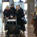 Dita Von Teese – Arrives at Charles de Gaulle Airport in Paris - 454 x 303