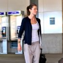Jessica Biel Arrives At Vancouver International Airport, 2009-09-23