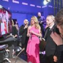 Julia Roberts At the 91st Annual Academy Awards - Backstage - 454 x 303
