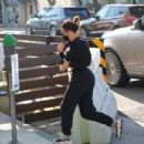 Kim Kardashian – Visiting a salon in Los Angeles - 454 x 303