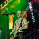 Def Leppard live at Great Allentown Fair on September 1, 2015 - 454 x 293