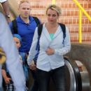 Britney Spears arriving in Maui with Jason Trawick and her sons (July 1)