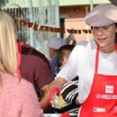Minnie Driver – Los Angeles Mission Hosts Thanksgiving Event For The Homeless - 454 x 341