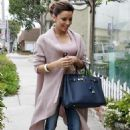 Eva Longoria Heading To Ken Paves Salon In Beverly Hills, February 24 2010 - 454 x 701
