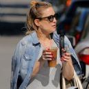 Kate Hudson leaving lunch in Brentwood, California on March 17, 2016