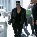 Kim Kardashian spotted out for lunch at Cafe Vega in Sherman Oaks, California on February 8, 2017 - 422 x 600