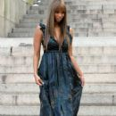 Tyra Banks Does A Photoshoot In Central Park, 2007-08-01