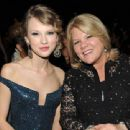 Taylor Swift's Mom Andrea Diagnosed with Cancer: 'She's Got An Important Battle to Fight'