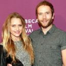 Teresa Palmer and Mark Webber - 454 x 340