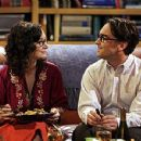 Sara Gilbert and Johnny Galecki