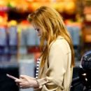 Isla Fisher at a Gas Station in Los Angeles 03/07/2019 - 454 x 682