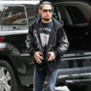 Dave Navarro is spotted out and about in New York City, New York on December 17, 2014 - 403 x 594