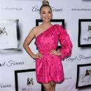 Kaley Cuoco – 8th Annual Stand Up For Pits in Los Angeles - 454 x 636