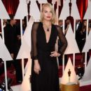 Margot Robbie At The 87th Annual Academy Awards - Arrivals (2015)