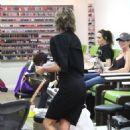 Lisa Rinna at the nail salon in Los Angeles - 454 x 681