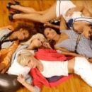 Paradiso Girls - 300 x 267