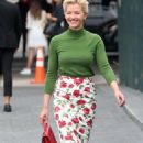 Gretchen Mol – Arrives to Michael Kors Fashion Show in New York