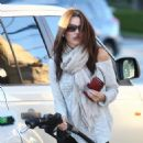 Sofia Vergara hose grabbing & pumping gas in Beberly Hills Jan-21-2011