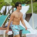 Joe Jonas in Hawaii with Blanda (January 6)