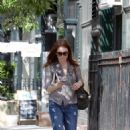 Julianne Moore Out & About In New York City, 2009-05-22