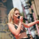 Zara Larsson – Performs at 2017 MTV Movie And TV Awards in Los Angeles
