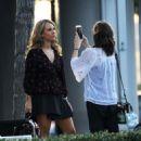 Juno Temple – Filming her new drama series 'Dirty John' in Glendale - 454 x 567