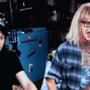 Mike Myers and Dana Carvey in Wayne's World (1992) - 454 x 303