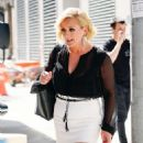 Jane Krakowski – Out and about in New York City - 454 x 539