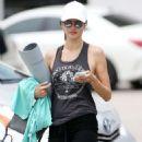 Alessandra Ambrosio – Leaves Yoga Class in Santa Monica - 454 x 572