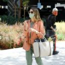 Jessica Alba – Heads to her office in Los Angeles