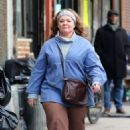 Melissa McCarthy – Filming 'The Kitchen' in NYC - 454 x 695