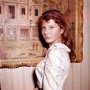 Claudia Mori - 454 x 458