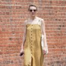Carey Mulligan in Yellow Summer Dress – Out in NYC - 454 x 672