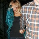 Nicole Richie At Nobu Hiding After Dinner With Joel Madden, 2008-09-01 - 454 x 598