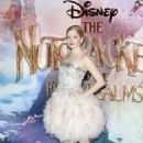 Ellie Bamber – 'The Nutcracker and the Four Realms' Premiere in London - 454 x 681