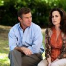 Andie MacDowell and Dennis Quaid in Dinner with Friends (2001) - 454 x 303
