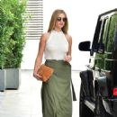 Rosie Huntington Whiteley – Arriving to an office building in Beverly Hills