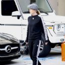 Ellen Pompeo – Shopping at Hermes in Beverly Hills - 454 x 589