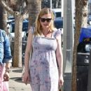 Kirsten Dunst – Out and about in Los Angeles - 454 x 785