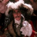 Hook - Dustin Hoffman - 454 x 291