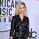 Selena Gomez attends the 2017 American Music Awards at Microsoft Theater on November 19, 2017 in Los Angeles, California