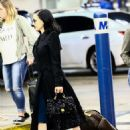 Dita Von Teese – Arrives at the airport in Miami - 454 x 592