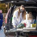 April Love – Grocery shopping in Malibu - 454 x 682