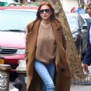 Lindsay Lohan – Leaves her apartment in New York City