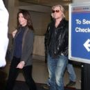 Daryl Hall is seen at LAX airport - 454 x 568