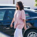 Selena Gomez – Shopping in Los Angeles
