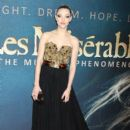 Amanda Seyfried attends the Les Miserables New York premiere at Ziegfeld Theatre on December 10, 2012 in New York City