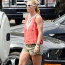 Britney Spears Leaves Pedalers Fork Restaurant In Calabasas
