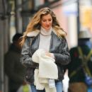 Gisele Bundchen – Out and about in New York City - 454 x 489