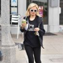 Holly Madison in Leggings – Out in Los Angeles - 454 x 636